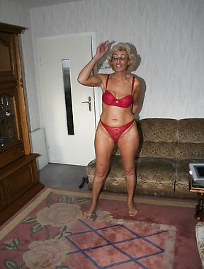 Mature in red lingerie, crazy home scenes with her acting slutty