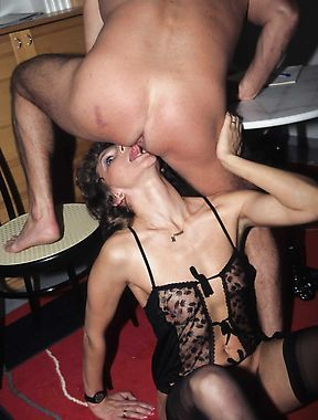 Sexy mature in lingerie provides full blowjob and sex