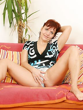 Solo mature photoset