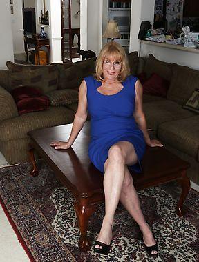 Rae Hart aka Phoenix Skye nude solo