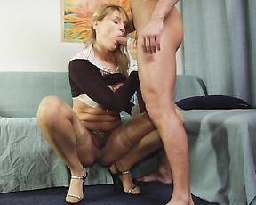 Sexy mature proves her style once again