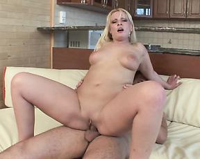 Big ass mom sure likes to ride the hammer