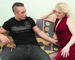 Blonde MILF fuck
