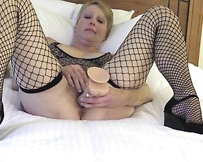 Top class mature solo with a woman and her new toy