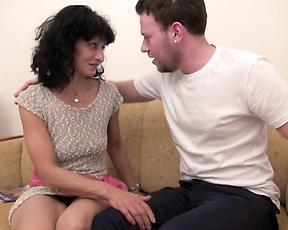Skinny mature in hardcore sex scenes on cam