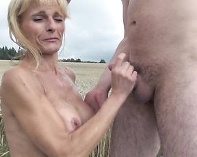 Mature mom gets a huger boner to fuck her merciless