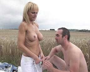 Blonde mom fucking