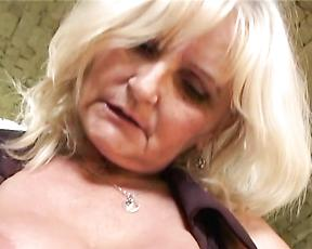 Mature rides with her ass and wants sperm in there