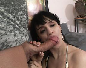 Sexy step mom needs the tasty dick in her ass