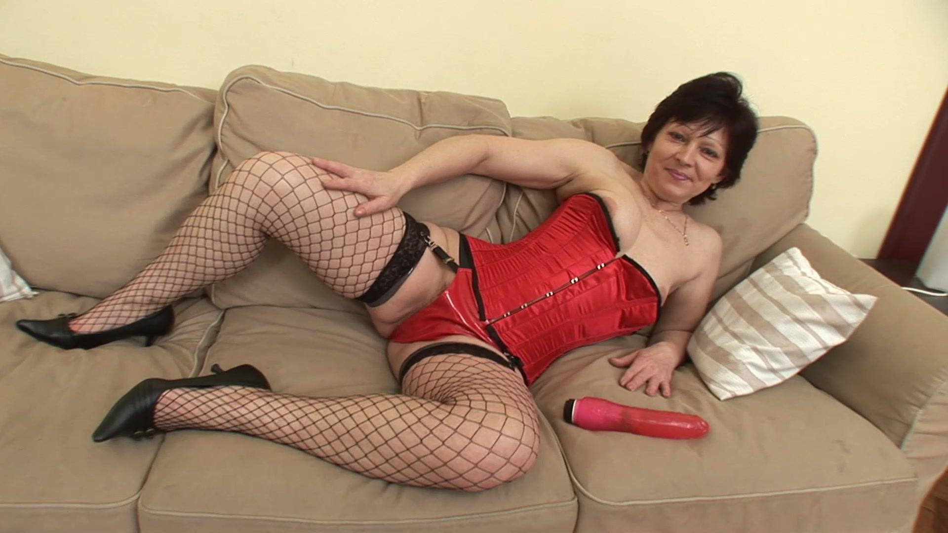 Mature in sexy lingerie fucked merciless on cam