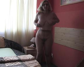 Chubby ass mature woman in closeup display during masturbation
