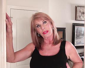 Sexy mature lady masturbating on floor