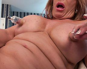 Perfect mature tries big vibrator over her pink cherry