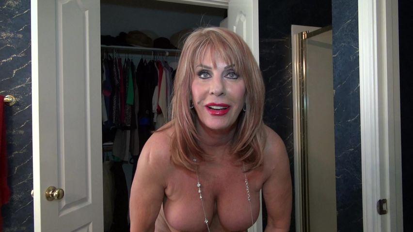 Video nude mature Homemade: 54,948