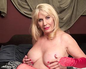 Blonde granny uses the pussy pump to cause herself pleasure