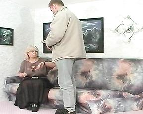 Chubby mature mom gets working with her step son